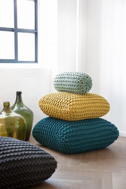 Knitted_cushions_image