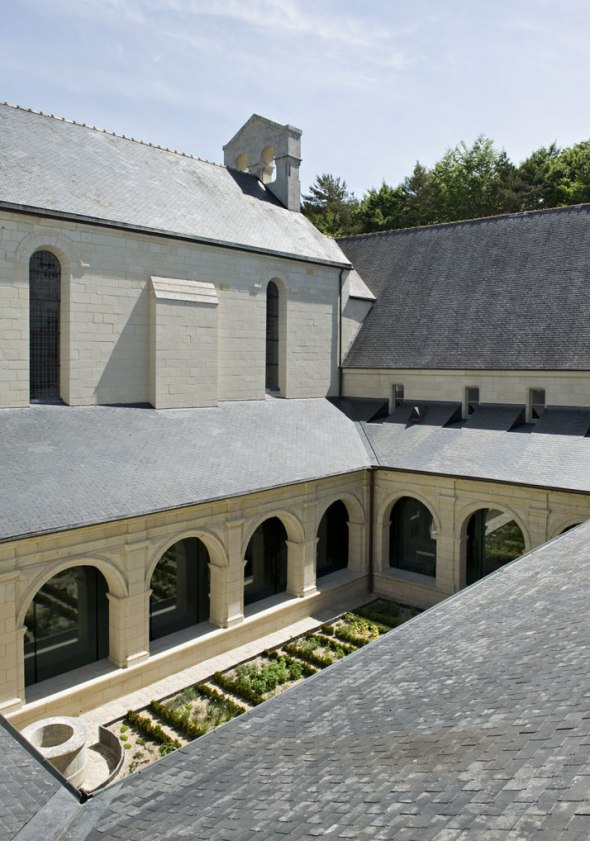 3-Agence-Jouin-Manku-Abbaye-de-Fontevraud-photo-Nicolas-Matheus-yatzer