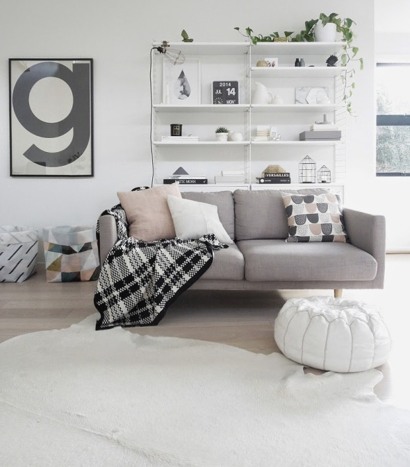 Scandinavian-style-living-room-of-Michelle-Halford-from-TDC1