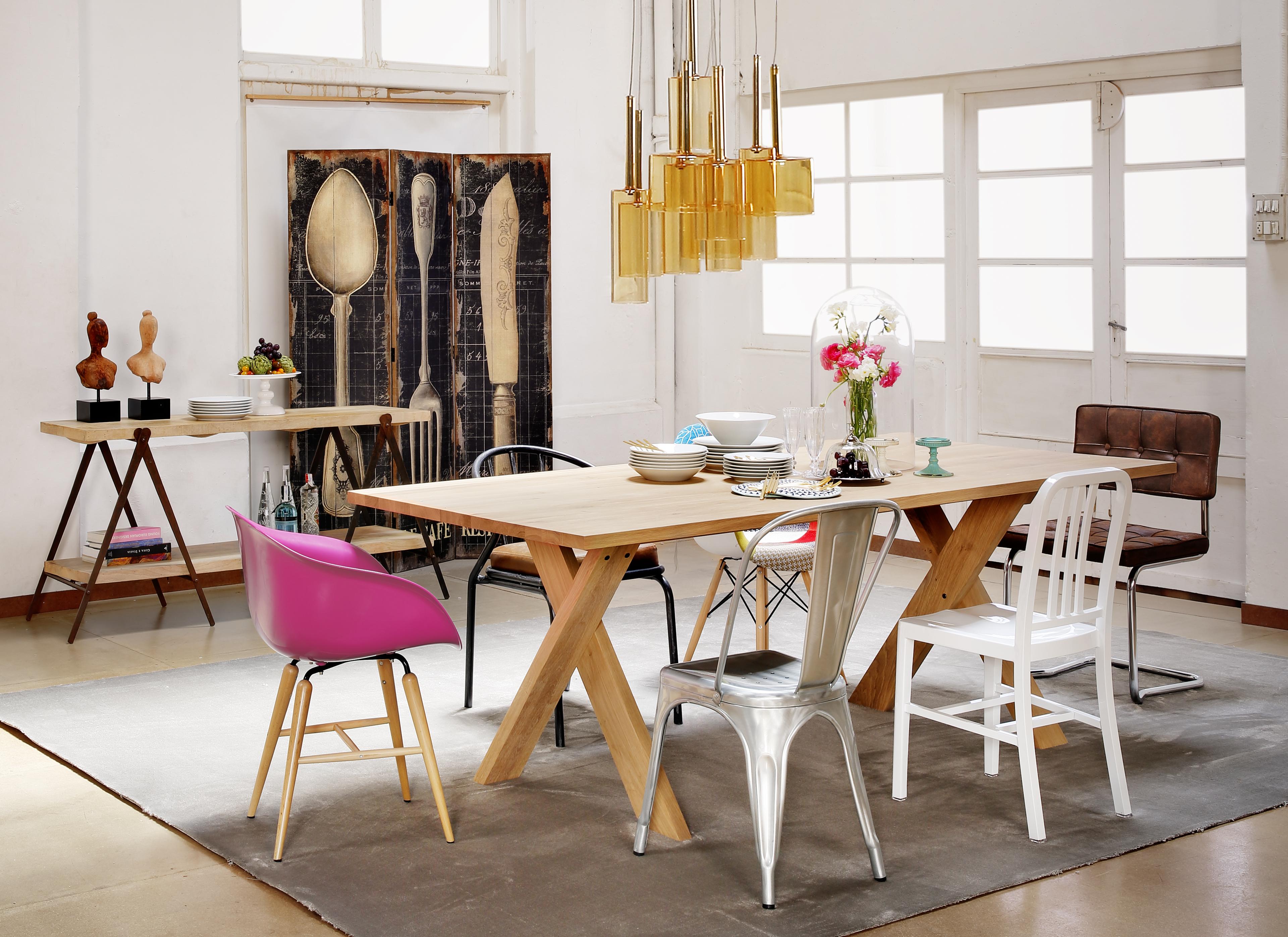 Renueva tu comedor en nuestras rebajas la oca es inspiraci n for Comedor sillas de colores