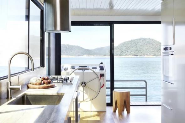 Eildon-housboat-by-Pipkorn-Kilpatrick-Melbourne-Remodelista-5