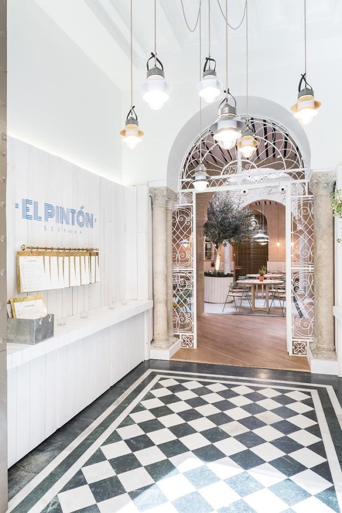 restaurante_el_pinton_en_sevilla_232063103_800x1200