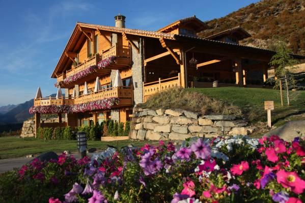 hotel_viñas_del_larrede_la_oca_pirineos.jpg