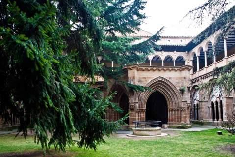 monasterio-veruela_patio_la-oca_imprescindibles.jpg