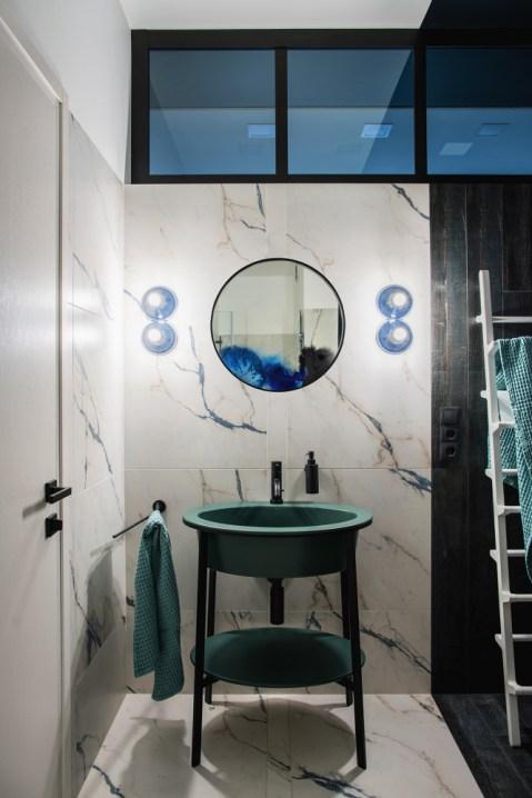 baño-marmol-verde-kale_la-oca.jpg